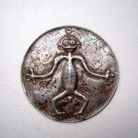 タニンバー(タニンバル)出土の神像