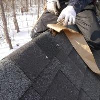 屋根完成と新年会