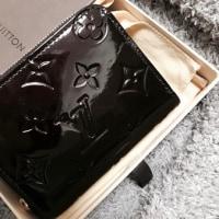 新しいミニ財布と共に