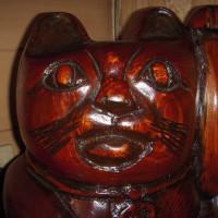 <木彫り招き猫 パワー <運命転換>凄い!>