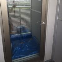 神奈川県のマンションに中間ミラーフィルムを貼りました。目隠し+断熱