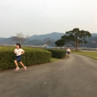 駅伝河川敷にて試走中