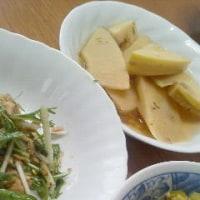 昼食は野菜をメーンに・・・筍の土佐煮、豌豆の卵とじ、水菜のシーチキン胡麻和え