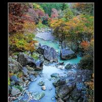 三波石峡の紅葉