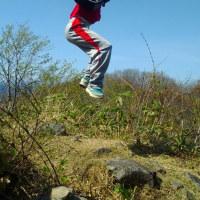 薬莱山に登る