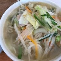 【大倉山ラーメン情報】「らーめんshigetomi」にランチタイム3回目の訪問、野菜たっぷりタンメンに、ミニ麻婆丼を頂きました!