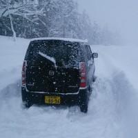 車がスタック(雪にハマった)