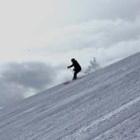 友人とのスキー1)花園第3リフト横の壁