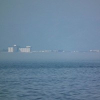 米原から彦根方面に出現した琵琶湖の上位蜃気楼 その3