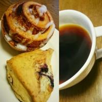 朝ご飯は、シナモンロールとスコーン(スターバックスコーヒー)