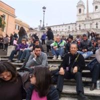 楽しかった旅の一コマ (106) スペイン広場の階段を上がると・・・。