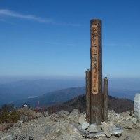 比良山系・武奈ヶ岳(紅葉の色彩が深まり過ぎていた)