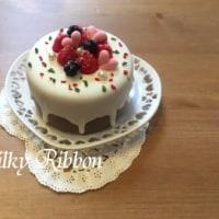今年最初のワークショップはホワイトアイシングケーキ