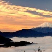 朝焼けの百蔵山