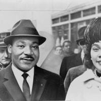 キング牧師の公民権運動で黒人差別が撤廃された
