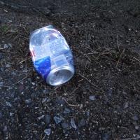 缶1個、収集、レジ袋でゴミ拾い&パトロール