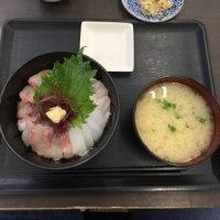 6/10海鮮丼(^^)