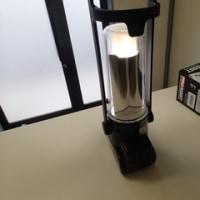 カラビナ対応フックと充電ランタン