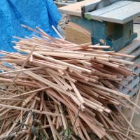 大量材料切りとフェイク花壇