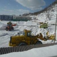 グラウンド排雪作業