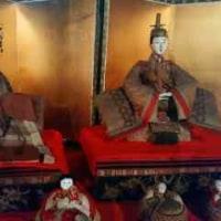 ♪ 津市の 「 ギャラリー創 」は、  すこぶる付きの古民家で展開されている…