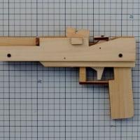 KEROKERO火器商会さんの連発銃
