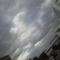 2016/10/27        午前8時前札幌の空模様 霙それとも雪?積もるのかな?晴れるのかな?