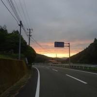 夕焼け梅雨空