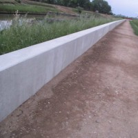 かさ上げ工事が完了の地元河川