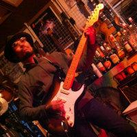 ヴィンテージ・ギターしか「人の心を癒す音」は出ません!エレキ・ギターも絶対「ヴィンテージ」です!俺の究極「Mash Collection」を放出中!
