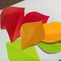 折り紙の落ち葉