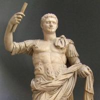 ドミティアヌスがローマ皇帝に即位。
