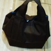 マザーズバッグにキューブバッグを。