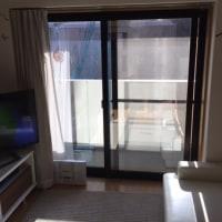 暑さ紫外線対策には、テレビにも出演!温度が涼しい安心感の窓 目隠しミラータイプ 濃いか中間で目隠しも