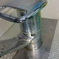 【メゾングッチ・キッチン水栓】締まりが悪化し固くなり...水がポタポタ