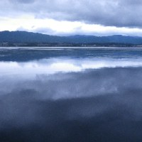 空も琵琶湖も鉛色