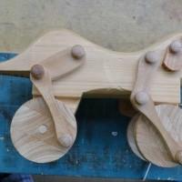 おもちゃの修理(木の犬)
