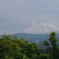 富士山に6月の雪が降った