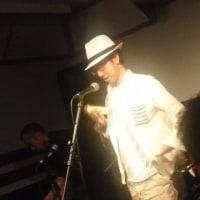 佐久イオンの島村楽器店「オヤジクラブ」にて演奏。