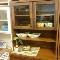 食器棚をー新しく仕入れましたーよ!