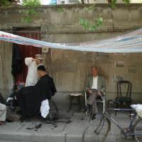 思い出の一枚。中国の理髪店。