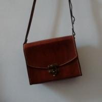 マルセイユ革職人の手作り鞄
