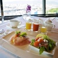 「トップ オブ キョウト」の優雅な朝食