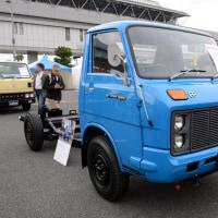 Isuzu Elf Mi-Pack 1972- 日本初のFFトラック、いすゞ エルフ マイパック