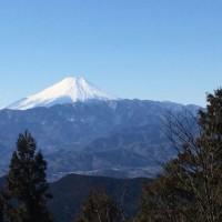 高尾山(599m)から陣馬山(867m)へ。