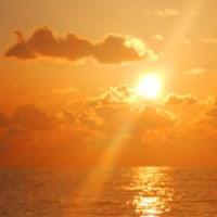 暖かい春の夕日~太陽から8分19秒~