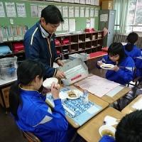 6年教室の給食