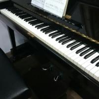 本堂のピアノ