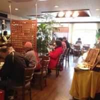 cafe & party やよいで演奏「シュークリーム」清水真弓(Vo)マイルストン石橋(Gt)