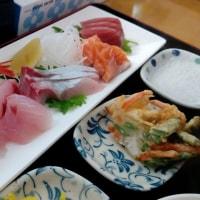 海鮮丼や刺身定食などに絞った方が良いかな・・・拓水(安里)